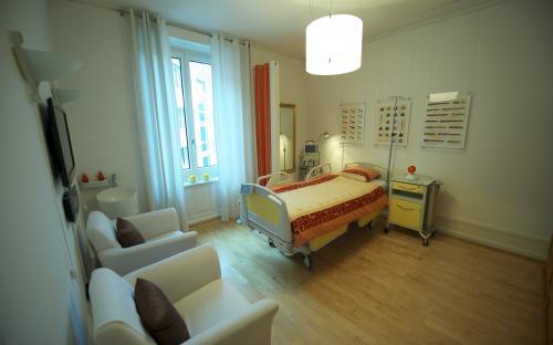 Patientenzimmer I.